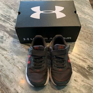 Under Armour no tie sneakers size 13K